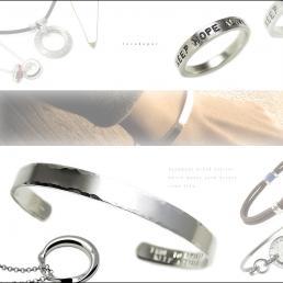 人気ブランドLOVEDEPOTの文字刻印できる指輪かバングルを1名様に製作してプレゼント!